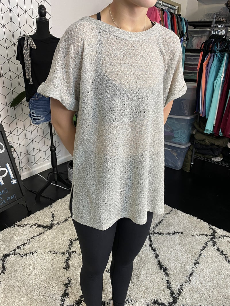 LOOSE KNIT SWEATER TEE