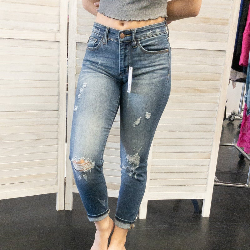 JUDY BLUES DESTROYED RELAXED FIT JEANS - MID RISE
