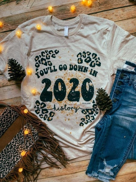 2020 HISTORY GRAPHIC TEE WITH GOLD GLITTER DETAIL