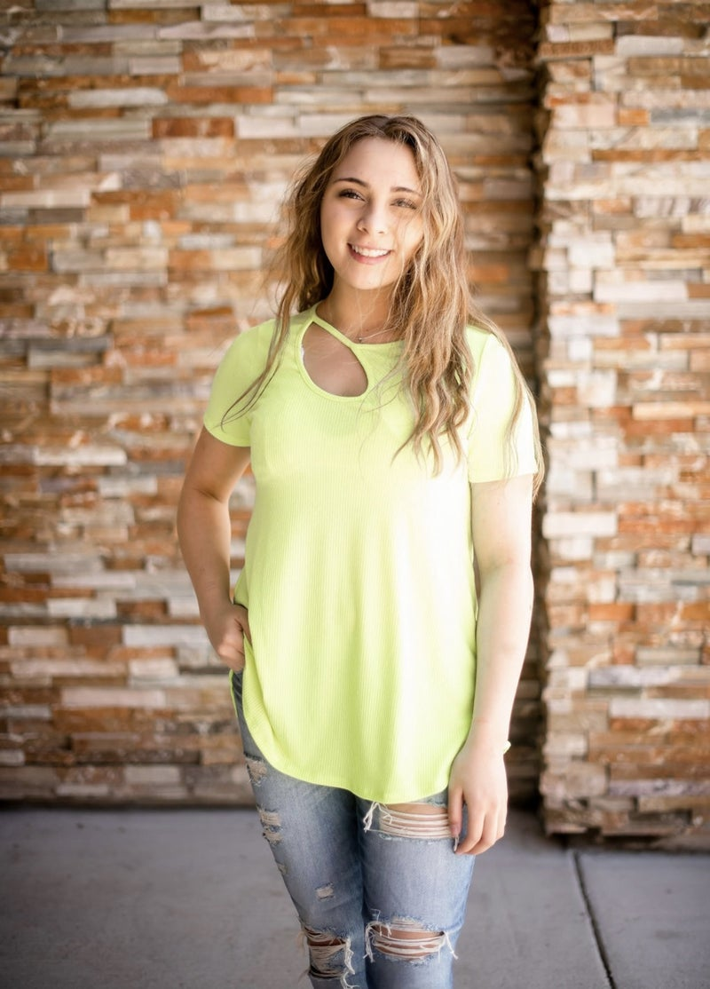 BRIGHT KNIT TOP WITH CUT OUT NECK DETAIL