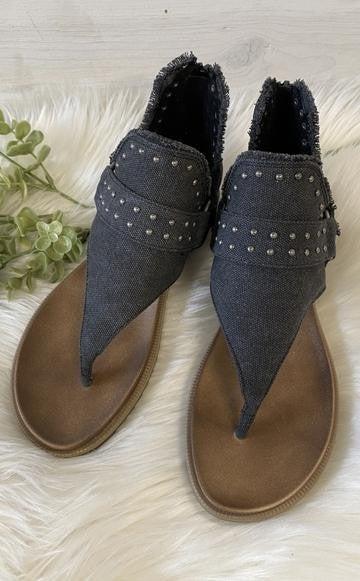 Journey Sandals in Black