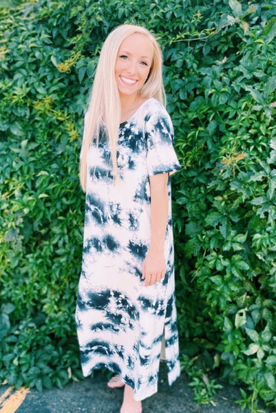 Brushed Tie-Dye Short Sleeves Long Slit Dress and Round Neck