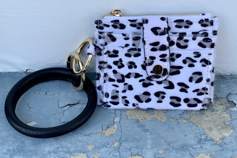 Totally Tax Free Weekend 20* On the Go Key Ring Wallet