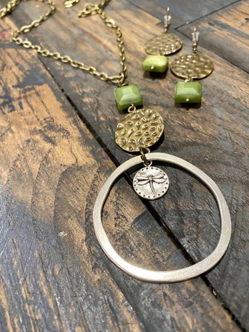 Totally Free Tax Weekend Sale 20-Green Is My Favorite Color Necklace