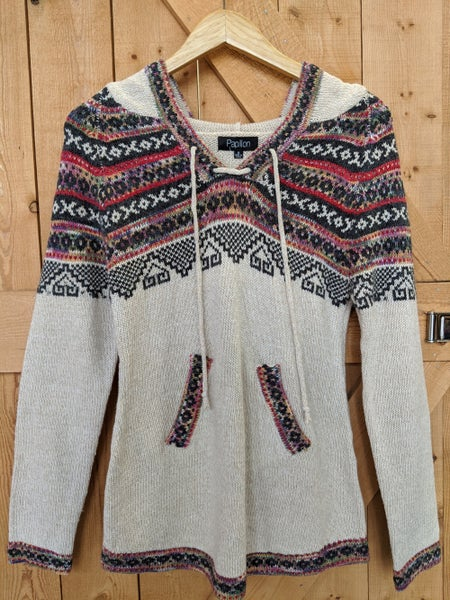 Stone sweater with colorful pattern
