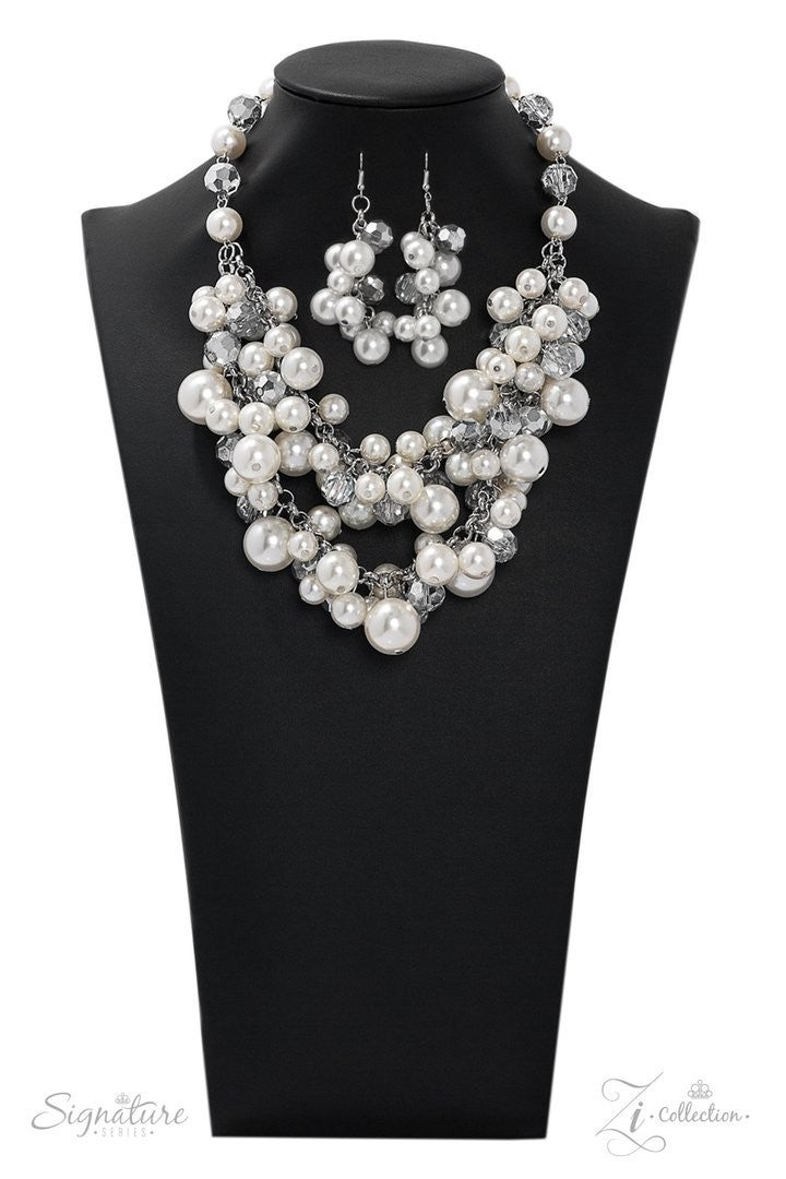 Paparazzi The Lauren - 2019 Zi Collection - Necklace and matching Earrings!