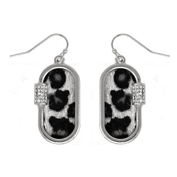 Chain link earring with leopard