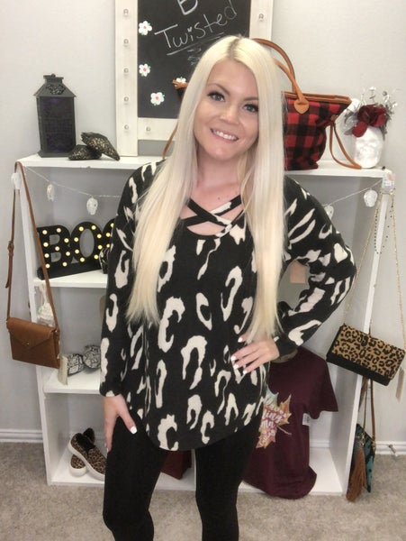 Black and white large leopard print cashmere top