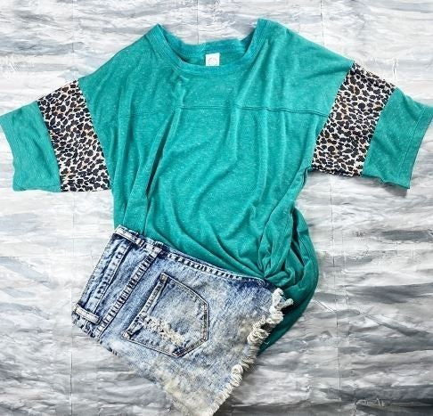 Short Sleeve Cheetah Print T-Shirt
