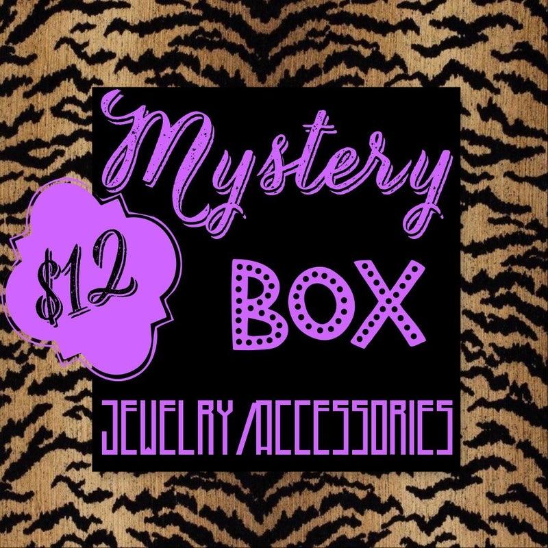 MYSTERY BOX JEWELRY/ACCESSORIES $12 *Final Sale*