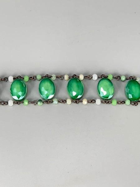 Beaded Bracelet with Oval Stones- Green