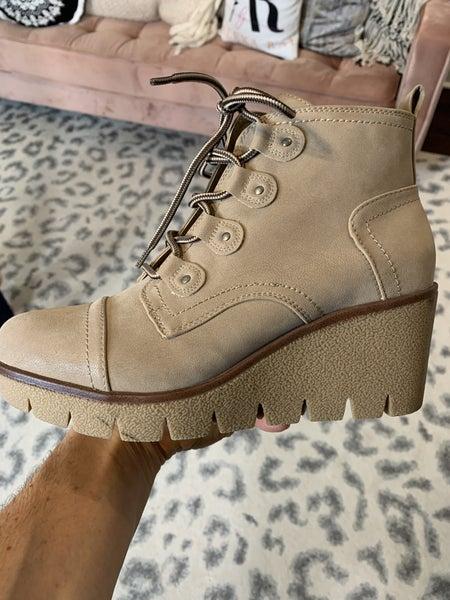 MIA Grant Boots
