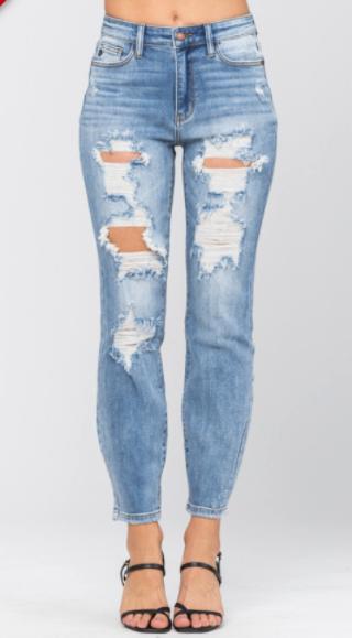 Judy Blue Top Notch Destroyed Boyfriend Jeans