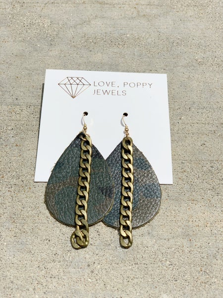 Leather and Chains Earring - Camo And Animal