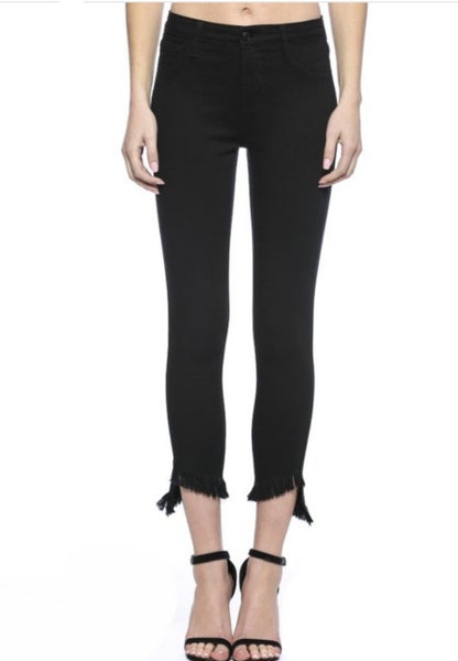 CELLO CROP BLACK DENIM W FRAYED HEM