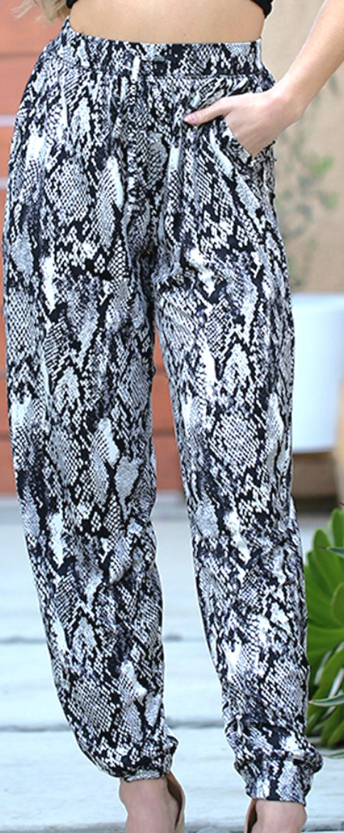 Blending In Trousers - 4 Colors!