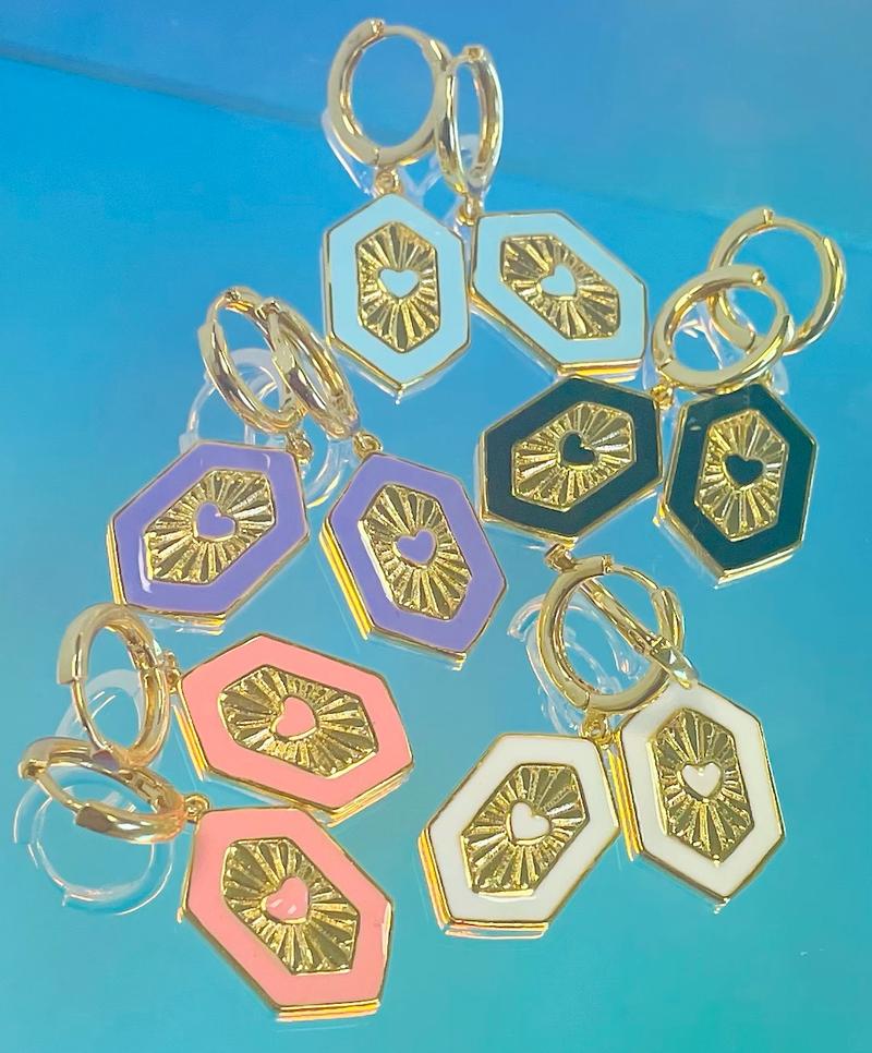 Melania Clara Queen Of Hearts Earrings Gold - 5 Colors!