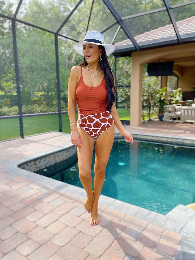 My Kind Of Surprise Reversible Bottoms - Sienna Giraffe