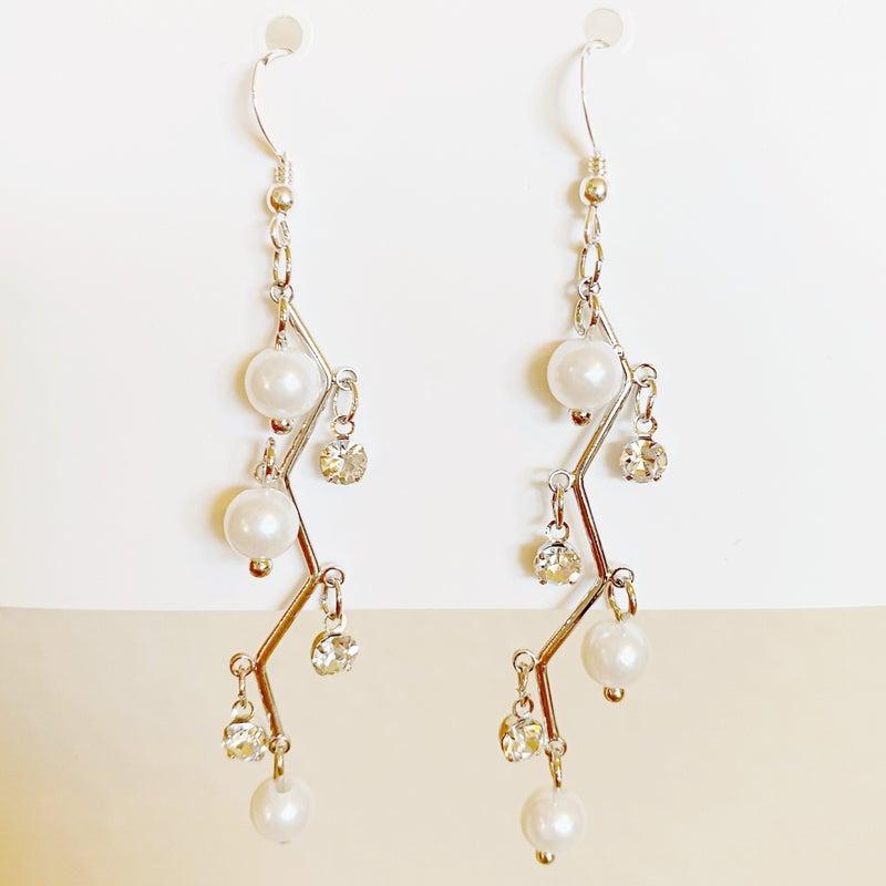 Zig Zag Pearl Earrings
