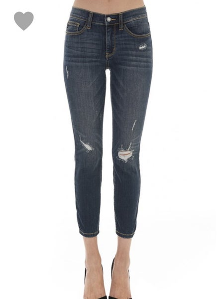 JUDY BLUE RELAXED FIT DESTROYED DENIM