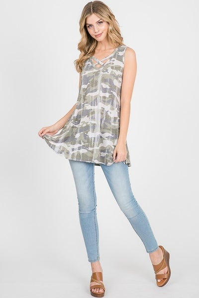 CAMO PRINT CRISS CROSS TANK TOP