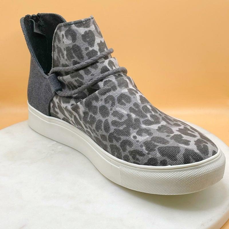 Very G Survivor Shoe