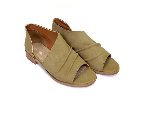 Open- toe Side Cutout Sandal