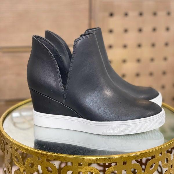 MIA Kate M Slip On Sneaker