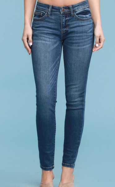 Judy Blue Look Good Feel Good Mid-Rise Jeans
