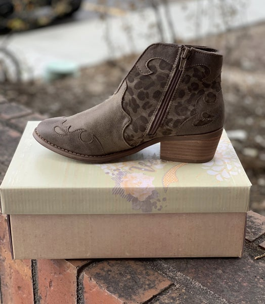 Very G Ankle Booties