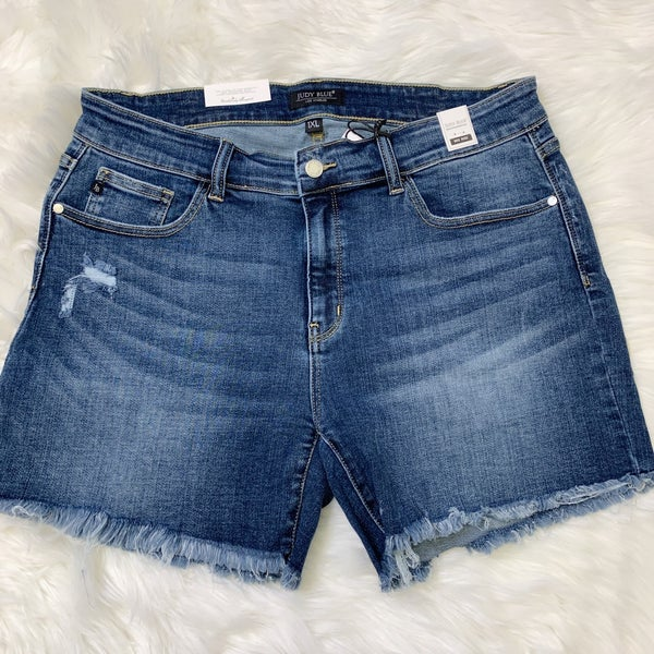 JUDY BLUE CUT OFF HEM SHORTS