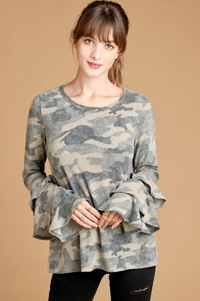 Camo top w ruffle sleeves