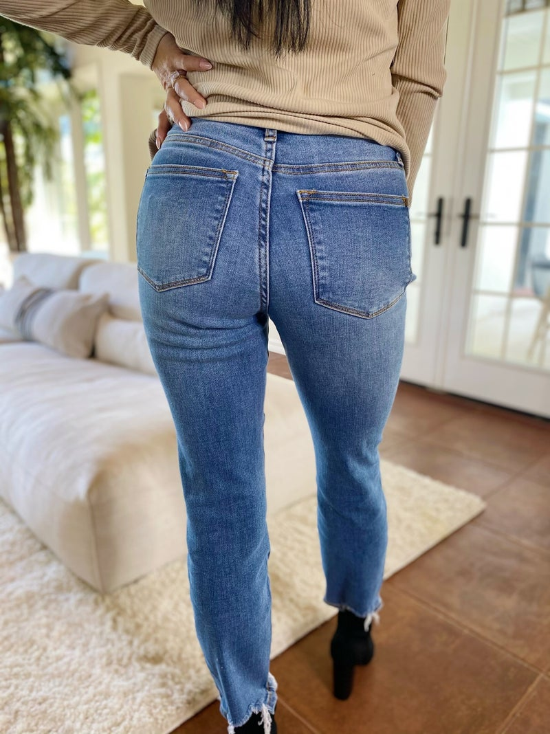 Judy Blue Weekend Vibes Mid Rise Slim Fit Jeans