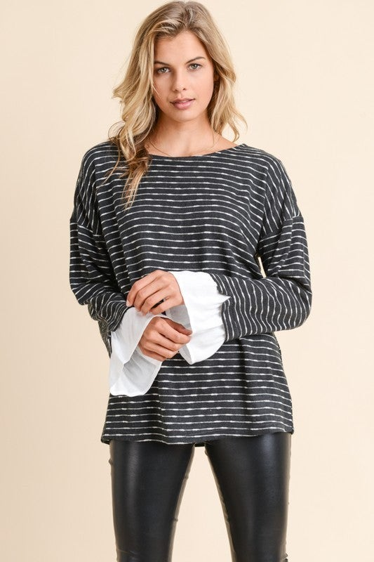 BUTTON SHOULDER LS TOP W/ CONTRAST SLEEVE RUFFLE