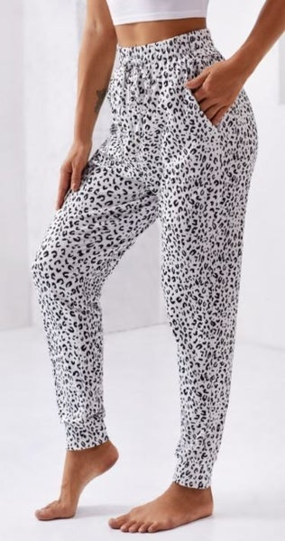 Shewin Leopard Jogger Pants
