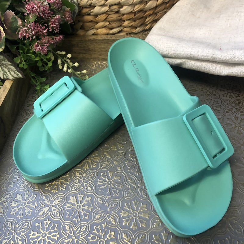 Chinese Laundry Waterproof Lightweight Sandal