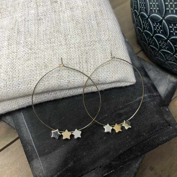 3 Stars on a Wire Hoop
