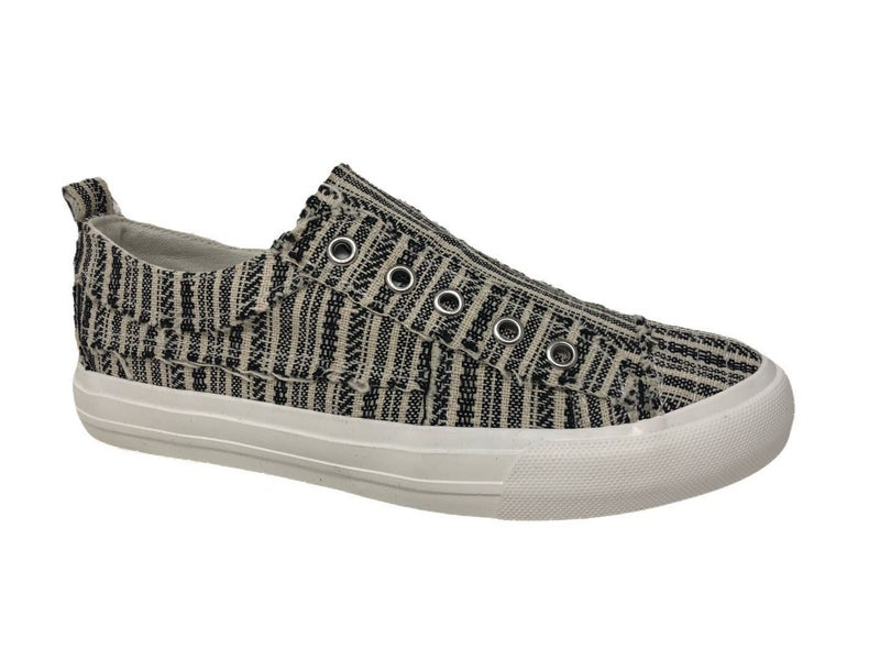 Very G Slip-on Sneakers/ White and Black
