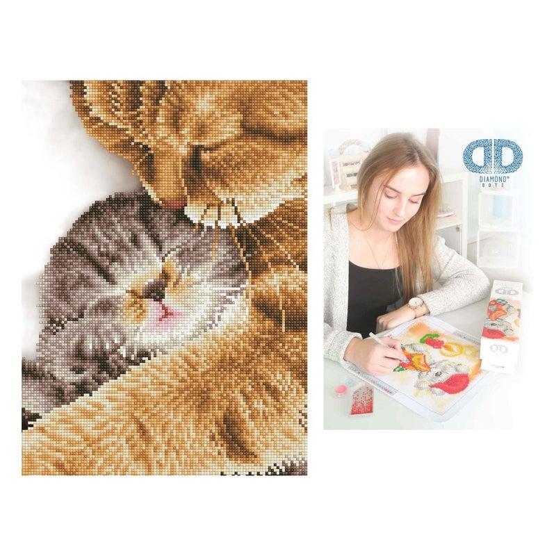 Diamond Dotz Facet Art Kit Intermediate Tender Moment