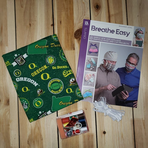 Mask Bundle Kit, University Of Oregon Toss College Print