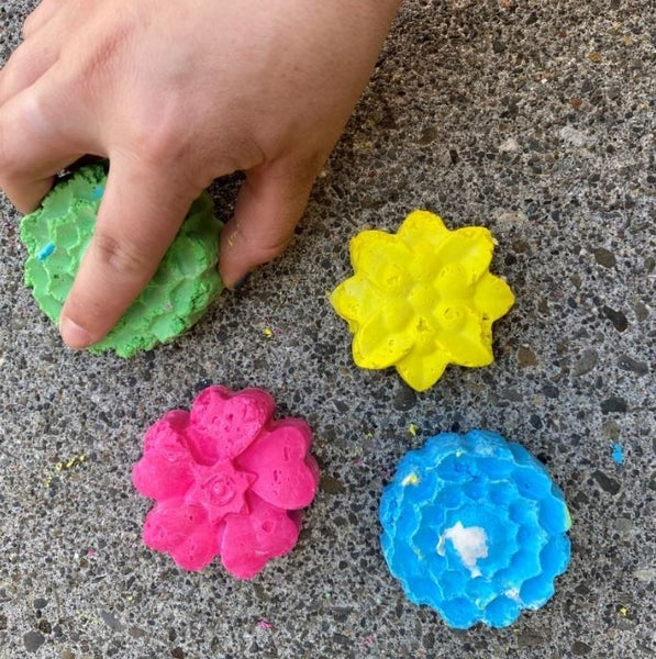 DIY Sidewalk Chalk - Flower Bundle
