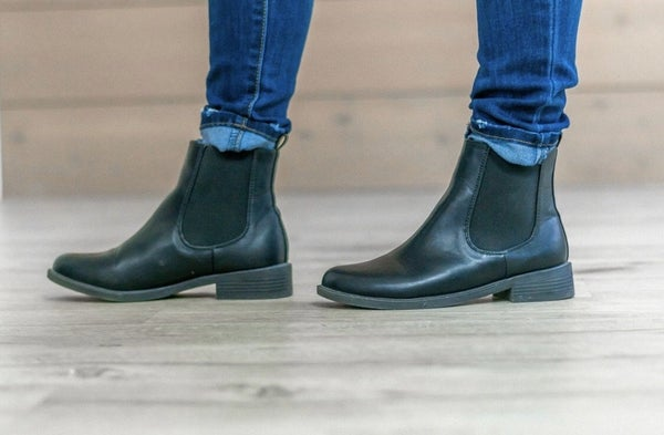 Black trendy Boots