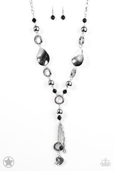 Paparazzi Necklace Blockbuster - Total Eclipse Of the Heart - Silver