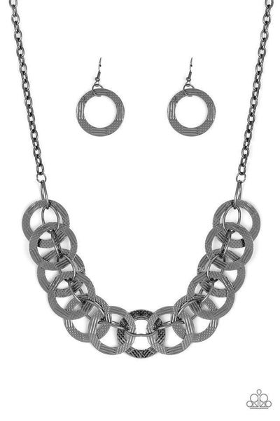 Paparazzi Necklace ~ The Main Contender - Black