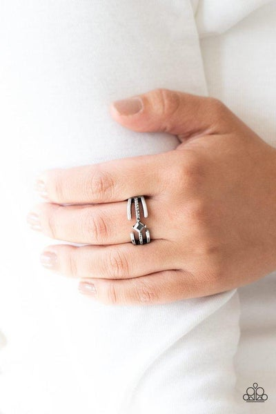 Paparazzi Ring ~ City Center - Silver