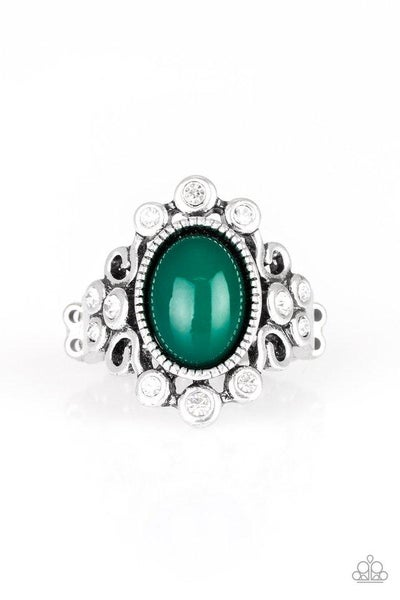 Paparazzi Ring ~ Noticeably Notable - Green