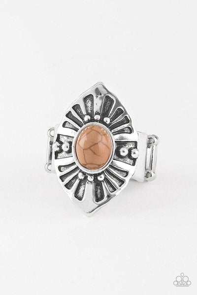 Paparazzi Ring ~ HOMESTEAD For The Weekend - Brown