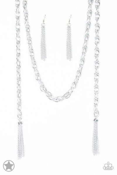 Paparazzi Necklace Blockbuster - SCARFed for Attention - Silver