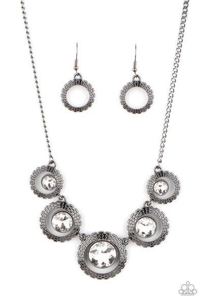 Paparazzi Necklace ~ PIXEL Perfect - Black