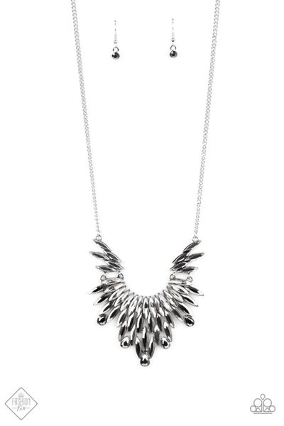 Paparazzi Necklace ~ Leave it to LUXE -Fashion Fix Oct2020 - Silver